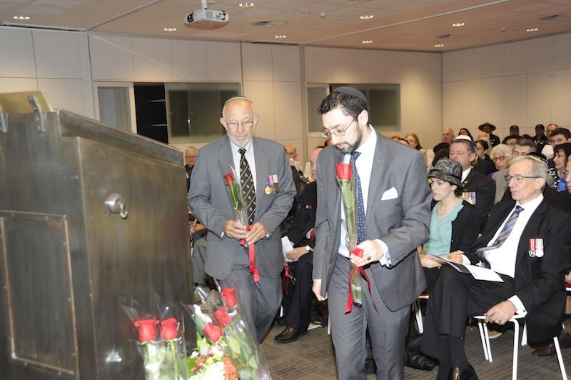 Rabbi Benjamin Elton and Michael Gold laying floral tributes (Photo taken by Alan Shaw for NAJEX)